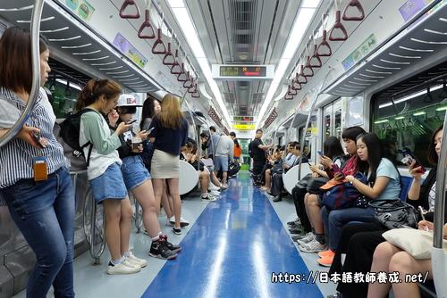 韓国ソウルの地下鉄で撮った写真